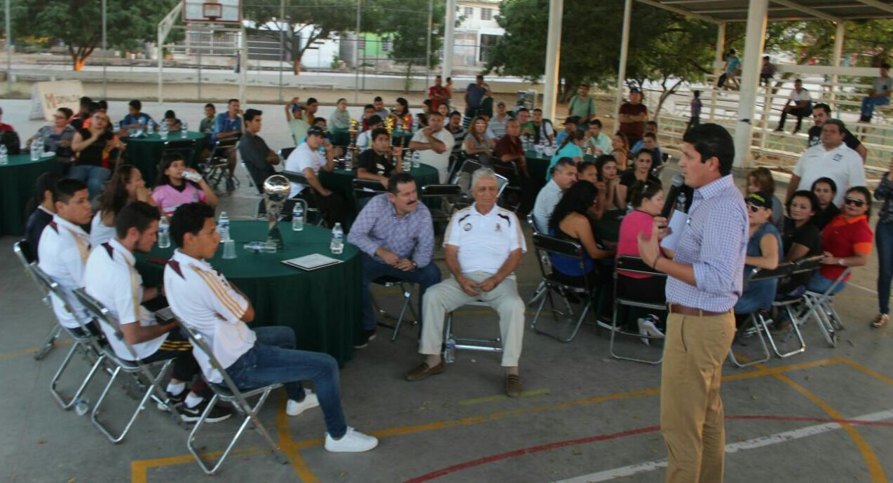 SOSTIENE EL PRI REUNIÓN CON ESTRUCTURA DEPORTIVA EN LA COLONIA ESTHELA ORTIZ