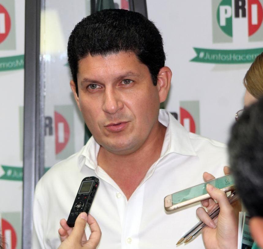 CASO DE RICARDO ANAYA DEBE SER ACLARADO; NO PUEDE ESCONDERSE TRAS UNA CANDIDATURA: CARLOS GANDARILLA GARCÍA