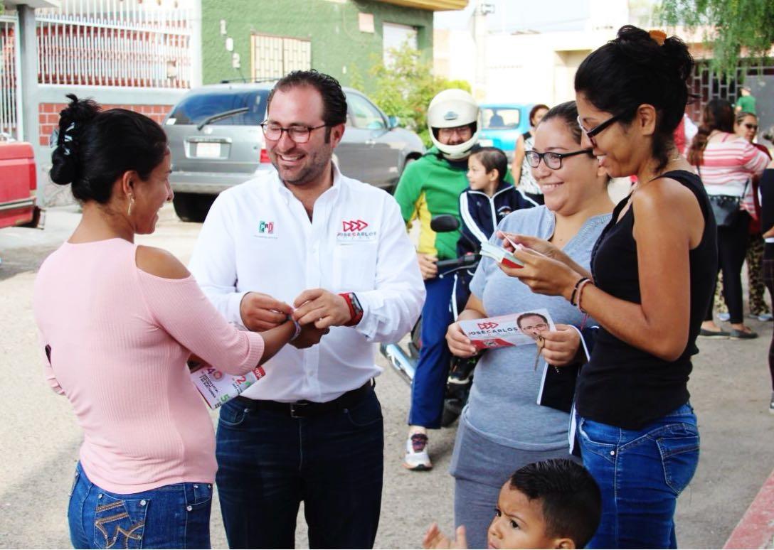 TRABAJARÉ DESDE EL CONGRESO DE LA UNIÓN PARA  IMPLEMENTAR ESCUELAS DE TIEMPO COMPLETO Y GUARDERÍAS DE TRES TURNOS: JCLRR