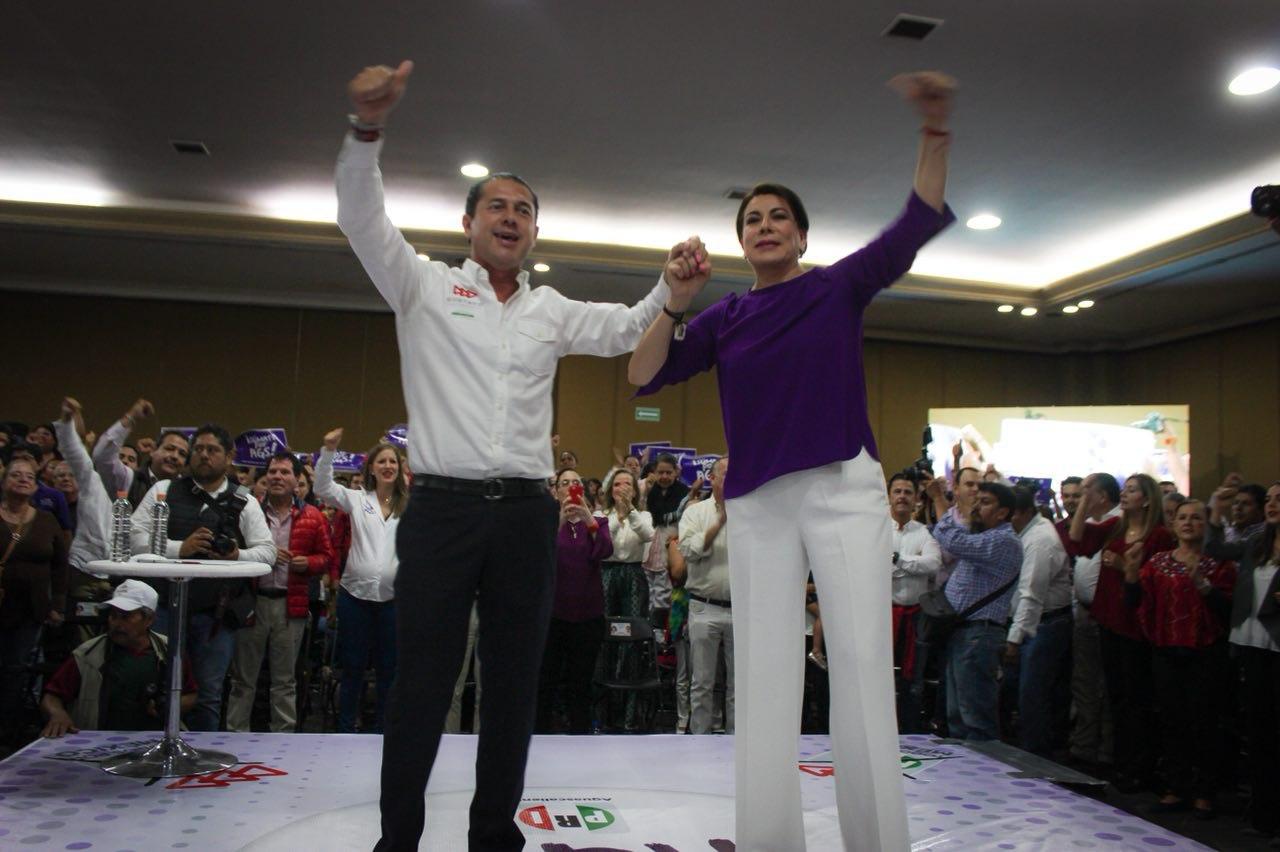 FIRMAN LORENA MARTÍNEZ Y GUSTAVO GRANADOS COMPROMISOS CON LA CIUDADANÍA COMO SUS PRÓXIMOS SENADORES