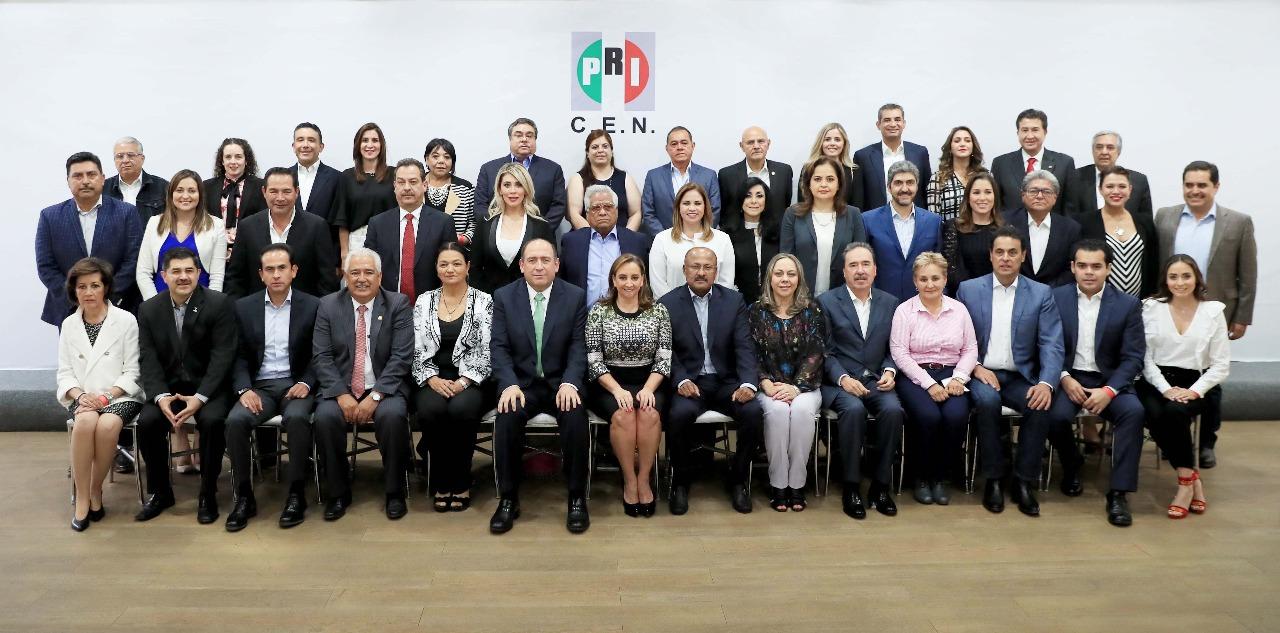 CLAUDIA RUIZ MASSIEU ANALIZA ESTRATEGIA LEGISLATIVA  EN REUNIÓN CON DIPUTADOS FEDERALES ELECTOS DEL PRI
