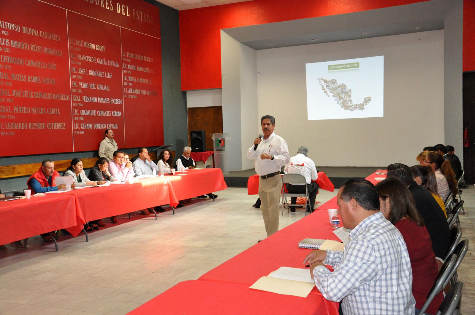 IMPARTE PRI CAPACITACIÓN A DIPUTADOS, PRESIDENTES MUNICIPALES Y SÍNDICOS ELECTOS