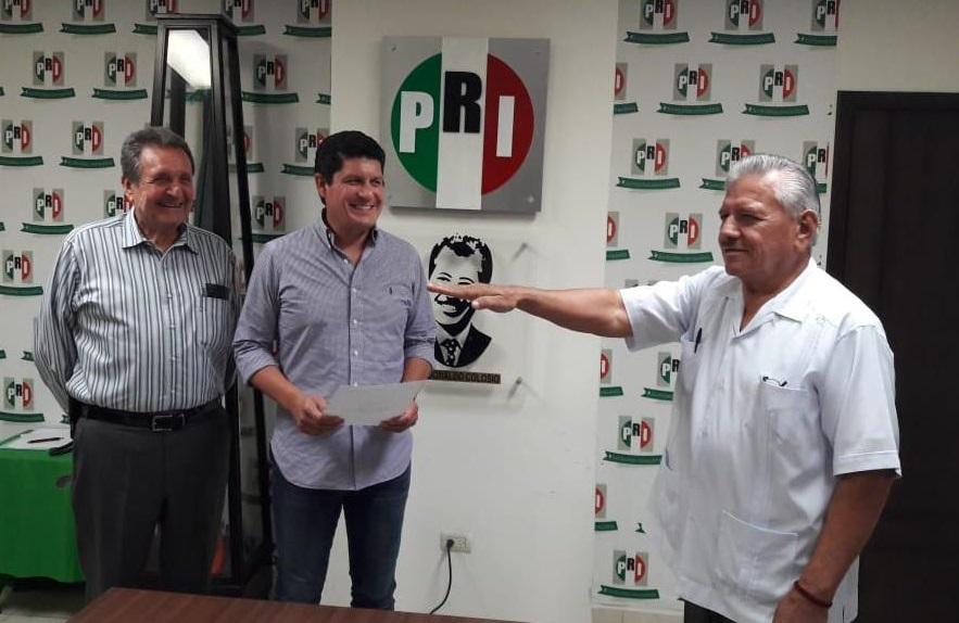 TOMA PROTESTA DAVID MIRANDA VALDEZ COMO PRESIDENTE DEL COMITÉ MUNICIPAL DEL PRI EN GUASAVE