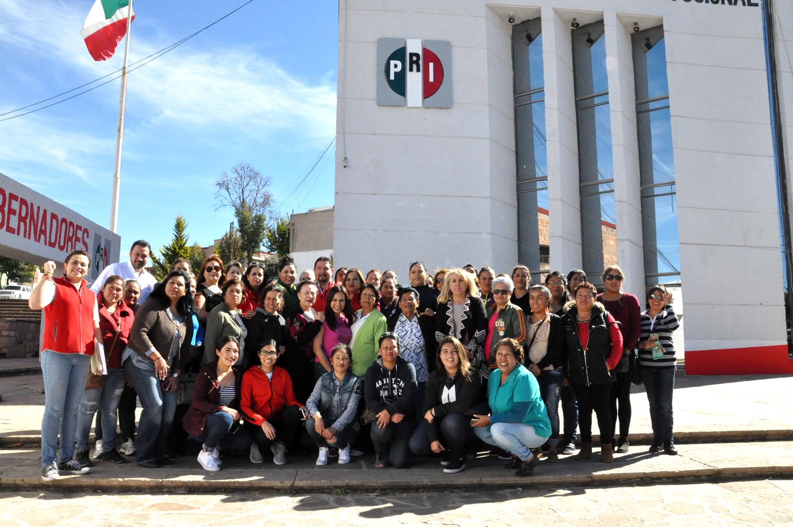 CENECISTAS DE ZACATECAS ASISTEN AL CONGRESO NACIONAL DE MUJERES RURALES