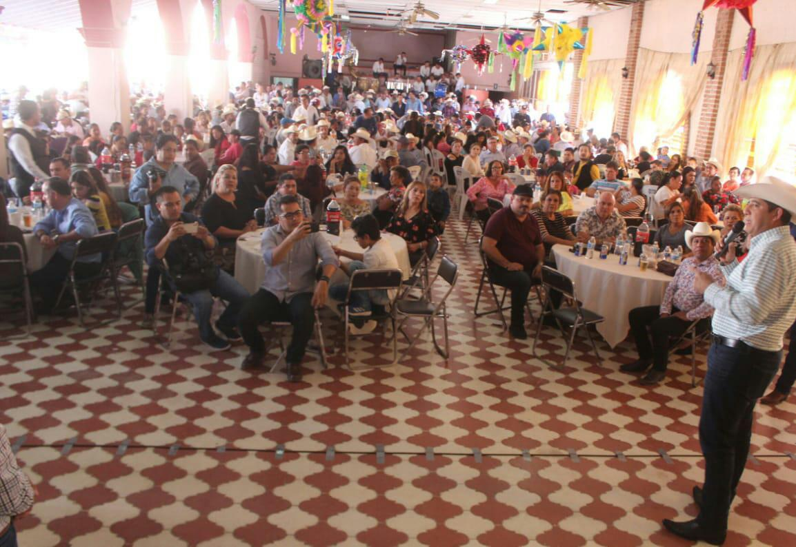 JESÚS VALDÉS PALAZUELOS REFRENDA ANTE GANADEROS DE SAN IGNACIO EL COMPROMISO DE TRABAJAR VELANDO POR SUS INTERESES