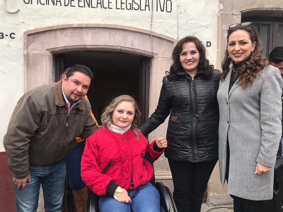 RECONOCE GUSTAVO URIBE EL TRABAJO DE CLAUDIA ANAYA AL INAUGURAR OFICINA DE ENLACE LEGISLATIVO