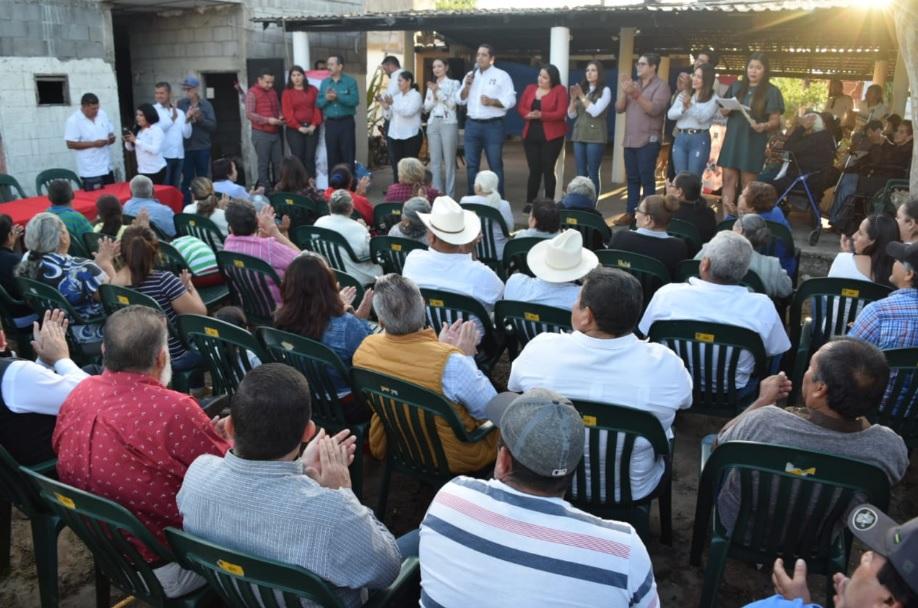 PROMUEVEN MELY ROMERO Y JESÚS VALDÉS PROGRAMAS DE ALTO SENTIDO SOCIAL EN APOYO A FAMILIAS SINALOENSES
