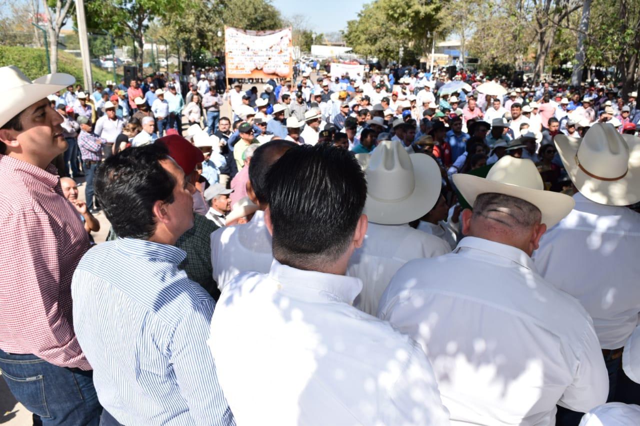 EXHORTA JESÚS VALDÉS A TODOS LOS PARTIDOS POLÍTICOS A RESPALDAR LUCHA DE MAICEROS