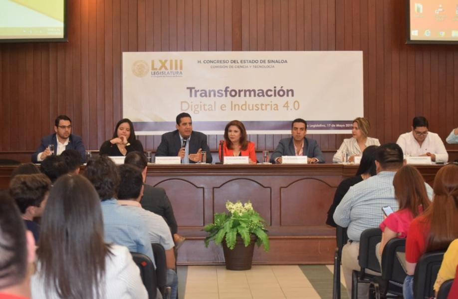 """MAYOR PRESUPUESTO PARA CIENCIA Y TECNOLOGÍA, SOLICITAN EN EL FORO """"TRANSFORMACIÓN DIGITAL E INDUSTRIA 4.0""""."""