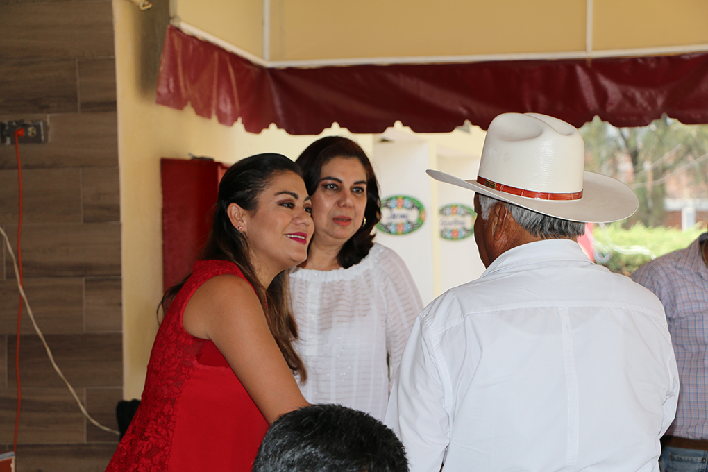 La delegada General del CEN, Maricela Velázquez Sánchez, y la presidente del CDE, diputada Celeste Gómez F...