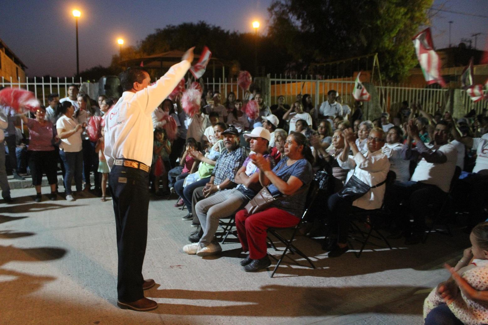 CONTUNDENTE RESPALDO DE LAS PERSONAS EN COSÍO PARA CHAVA TORRES