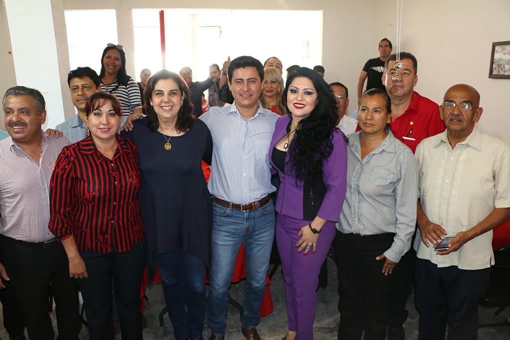 EL CDE EN PLENO CON PRIISTAS DE MANUEL DOBLADO