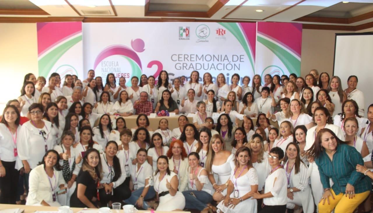 Concluye capacitación la segunda generación de mujeres priistas.