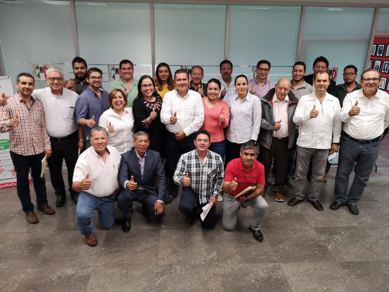 COMPROMISO Y TRABAJO. SESIÓN DE LA COMISIÓN POLÍTICA PERMANENTE DEL PARTIDO REVOLUCIONARIO INSTITUCIONAL EN AGUASCALIENTES.