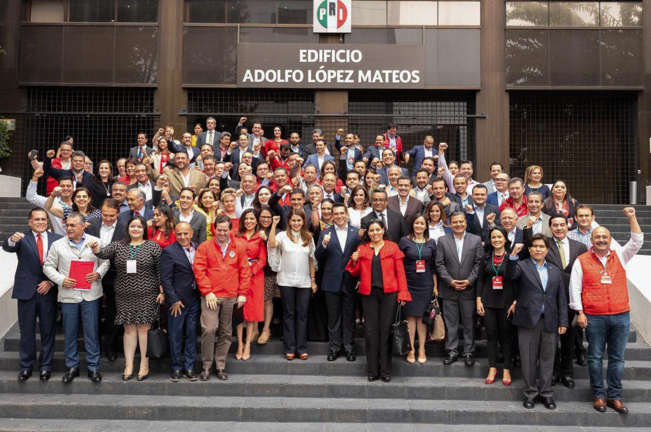 EL PRESIDENTE ESTATAL Y SECRETARIA GENERAL DEL PRI SINALOA, PARTICIPAN EN ENCUENTRO NACIONAL