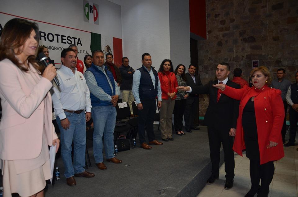 TOMAN PROTESTA DIRIGENTES DE LA SECRETARÍA DE ASUNTOS MIGRATORIOS DEL PRI ZACATECAS