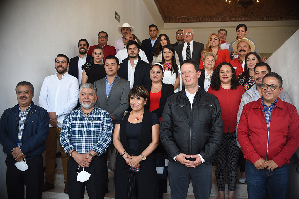 ASUME MAURICIO ORTIZ PROAL CARGO DE DELEGADO GENERAL DEL CEN DEL PRI
