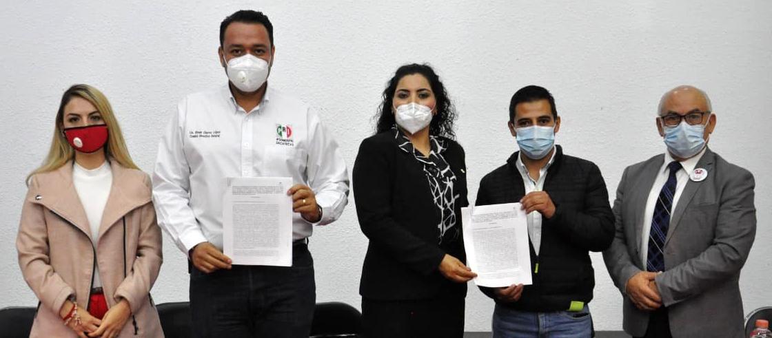FIRMAN CONVENIO DE COLABORACIÓN LA RED JÓVENES X MÉXICO ESTATAL Y AMIGOS PRO-RENAL A.C.