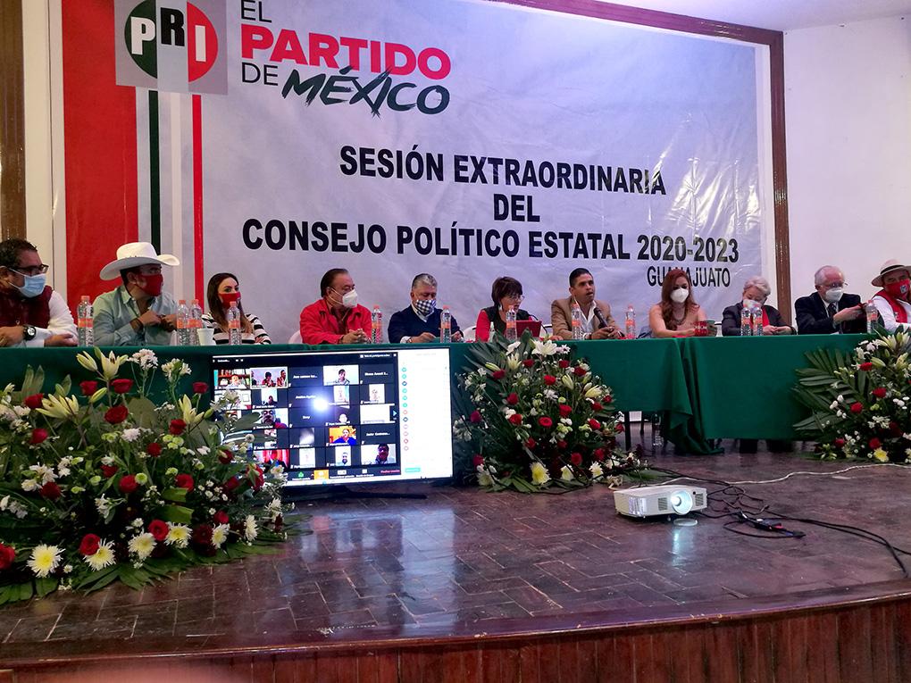 APRUEBA CONSEJO POLÍTICO ESTATAL DEL PRI ADECUACIONES A SUS REGLAMENTOS.