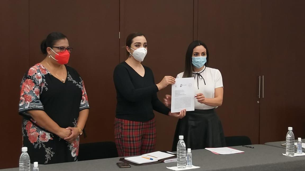 """YULMA ROCHA Y LA RED DE MUJERES PRESENTAN INICIATIVA """"3 DE 3 CONTRA LA VIOLENCIA"""""""