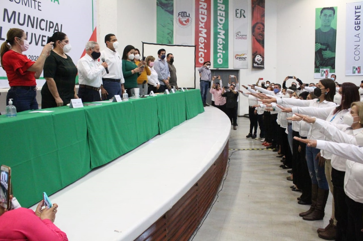 TOMAN PROTESTA LOS COMITÉS ESTATAL, MUNICIPAL, FEMENIL Y JUVENIL DE LA UNIDAD REVOLUCIONARIA EN SINALOA