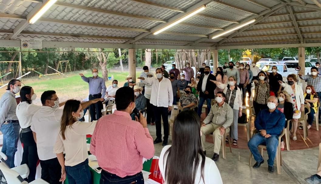 INSTALAN Y TOMAN PROTESTA LOS CONSEJOS POLÍTICOS MUNICIPALES DE SALVADOR ALVARADO Y ANGOSTURA.