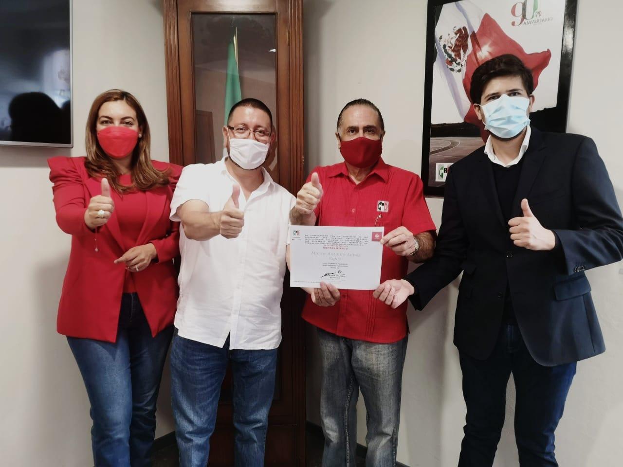 MARCO ANTONIO LÓPEZ ROJAS RINDE PROTESTA COMO DIRIGENTE EN EL MUNICIPIO CAPITAL DEL INSTITUTO JESÚS REYES HEROLES A.C. DEL PRI
