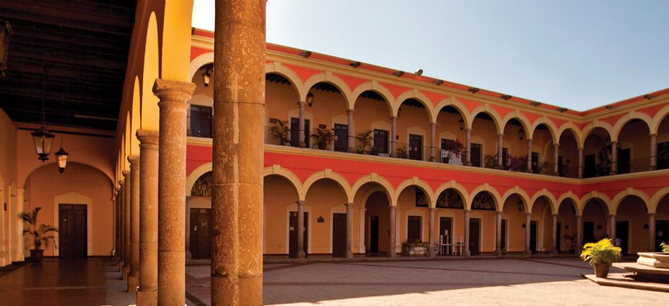 1824, Se instaló en El Fuerte el primer Congreso Constituyente del Estado de Sinaloa