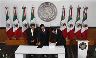 """""""Entrega Osorio Chong II Informe de Gobierno de EPN"""