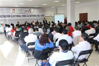 """""""Capacita PRI- Querétaro a su estructura electoral"""