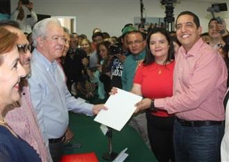 JESÚS VALDÉS Y CINTHIA VALENZUELA LA ÚNICA FÓRMULA QUE SE REGISTRA PARA DIRIGIR EL CDE DEL PRI