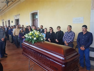 RINDE HOMENAJE GUSTAVO URIBE AL EXPRESIDENTE DE VALPARAÍSO FALLECIDO EN ACCIDENTE