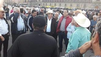 RESPALDA JESÚS VALDÉS A MAICEROS EN MANIFESTACIÓN EN EL ZÓCALO DE LA CDMX