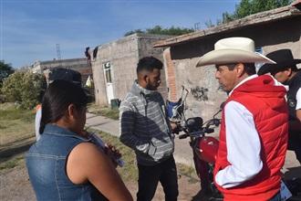 CANDIDATO A LA PRESIDENCIA MUNICIPAL DE ASIENTOS SE COMPROMETE CON LA GENTE DE CHARCO AZUL