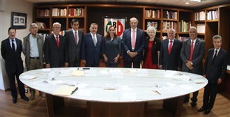 ENCABEZAN RUIZ MASSIEU Y ZAMORA JIMENEZ REUNIÓN DE TRABAJO DE LA CONFERENCIA NACIONAL DE HONOR