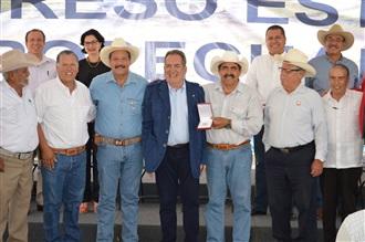 EN EL CAMPO MEXICANO NUNCA HABÍAMOS TENIDO UN ENEMIGO TAN DEFINIDO Y TAN CLARO DESDE LA PRESIDENCIA DE LA ...