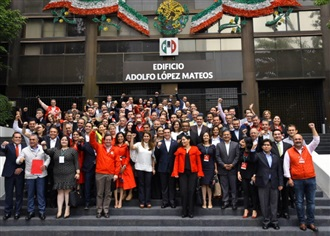 ANTE LA ANGUSTIA POR LOS MALOS RESULTADOS DEL GOBIERNO FEDERAL, LA CIUDADANÍA VOLTEA NUEVAMENTE HACIA NOSO...