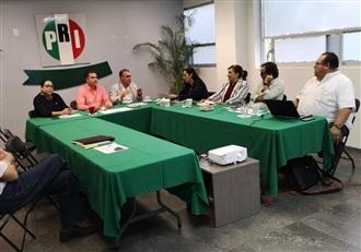 REUNIÓN DE TRABAJO DE LA DIRIGENCIA ESTATAL Y EL DELEGADO DEL CEN CON LOS DIPUTADOS LOCALES DEL GPPRI