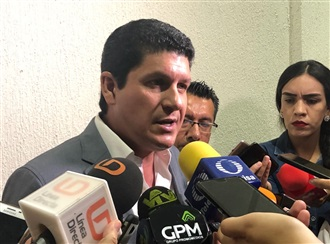 Es un acto de avasallamiento en contra de la pluralidad democrática: Carlos Gandarilla width=