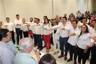 Le toma protesta Jesús Valdés a nueva estructura estatal de la CNOP width=